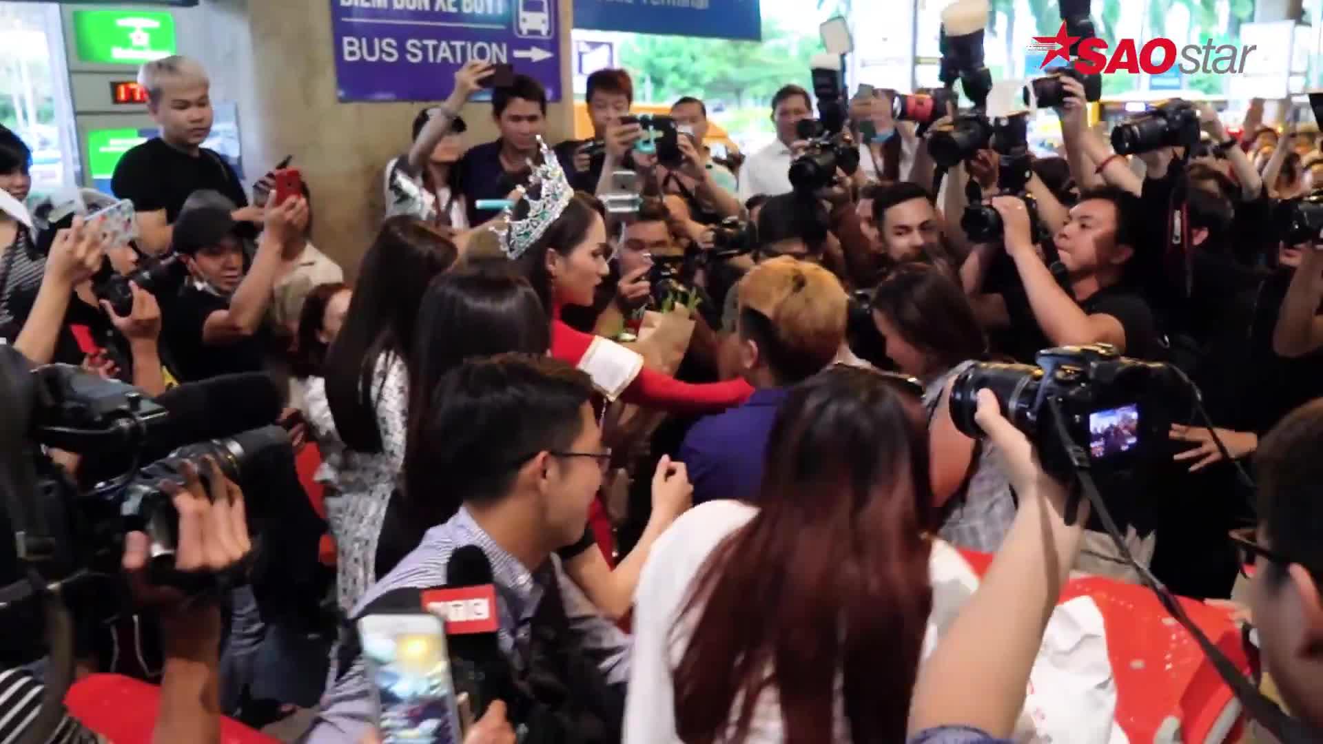Fan cứng ấp ủ ước mơ chuyển giới, hứa ủng hộ hoa hậu Hương Giang ở mọi vai trò ảnh 3