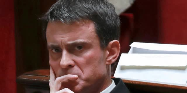 Watch and share Manuel Valls Aimant Puis N'aimant Plus Puis Aimant De Nouveau Quelque Chose. © Gif Le Lab  (JACQUES DEMARTHON) GIFs on Gfycat