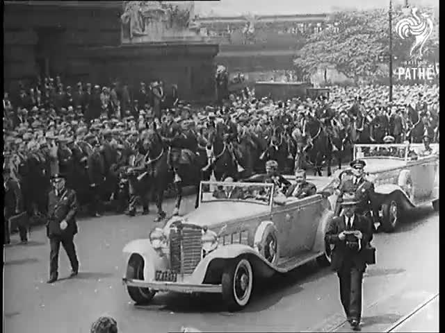 Watch Miss Earhart's Wonderful Reception! (1932) GIF on Gfycat. Discover more 32/052, 679.14, British Pathe, President, States, United, aviators, documentary, feminism, presidents GIFs on Gfycat