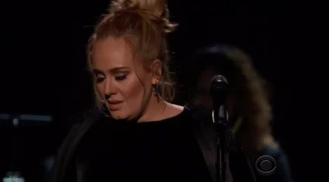 Cái kết bất ngờ của Grammy: Adele hốt hết giải quan trọng, Beyoncé gần như trắng tay!
