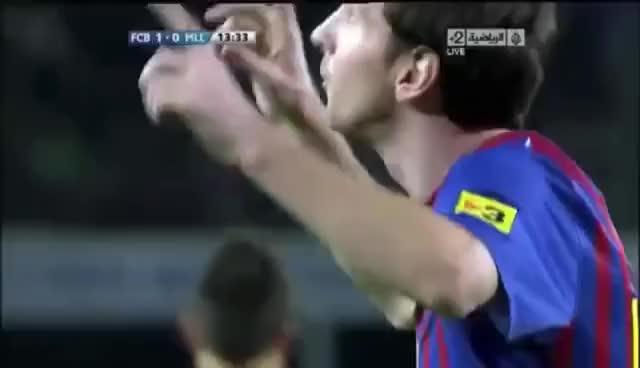 Watch and share Celebración Messi 1,2,3 Dedos Barcelona Mallorca GIFs on Gfycat