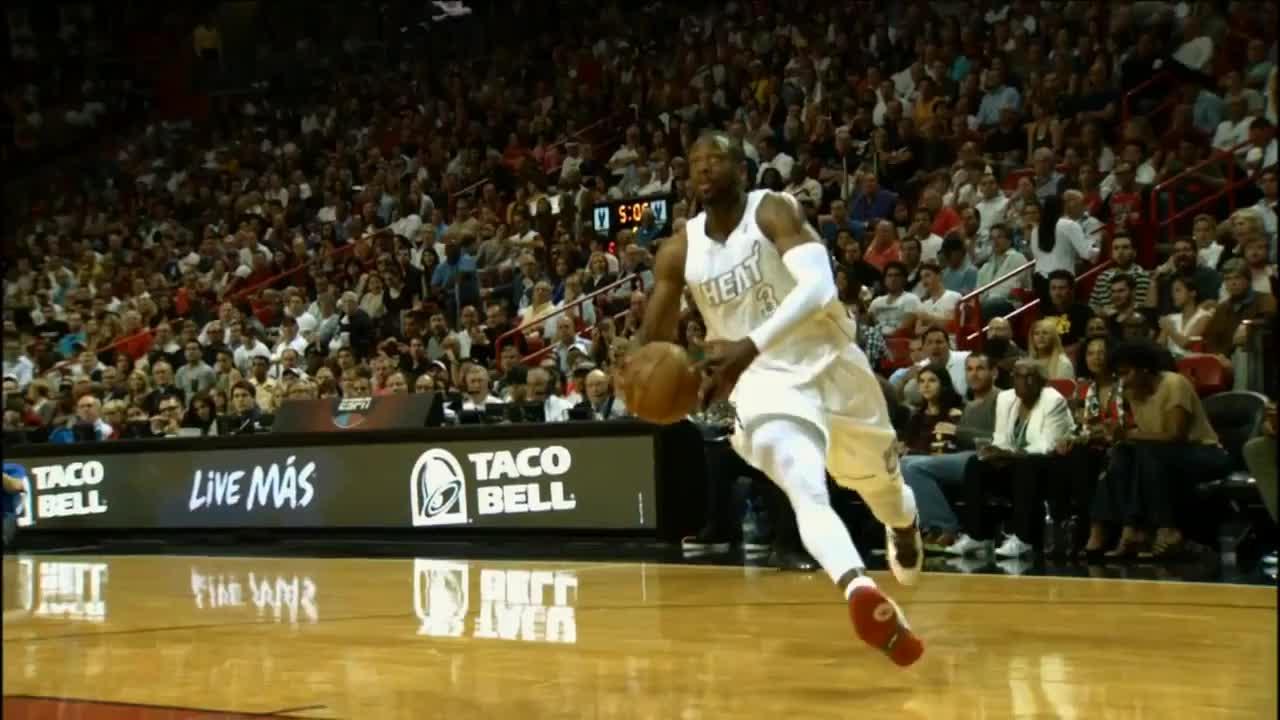 D-Wade dunk vs Dwight Howard GIFs