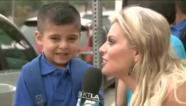 REPORTERA HACE LLORAR A NIÑO