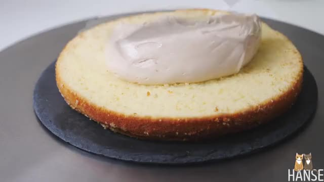 Watch 카라멜 케이크 만들기 Caramel cake recipe | 한세 GIF on Gfycat. Discover more ASMR, asmrsound, cookingasmr, foodasmr, realcookingsound GIFs on Gfycat