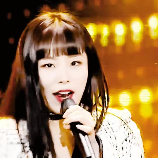 Watch and share 쿵창창창 - DYING HONESTLY THE CHOKER THAT SHADE OF LIPSTICK AND HER BANGS AND THE WINK GIFs by Yang-Xi Shen on Gfycat
