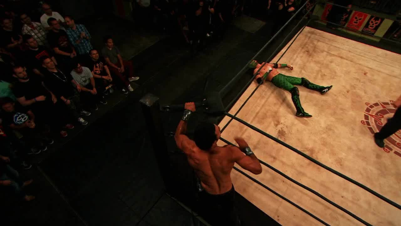 Dante Fox, Lucha Underground, SquaredCircle, Lucha Underground - Massive Leg Drop onto the Apron by Dante Fox! GIFs