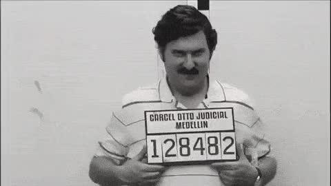 Watch and share Pablo Escobar El Patron Del Mal Escenas Graciosas GIFs on Gfycat