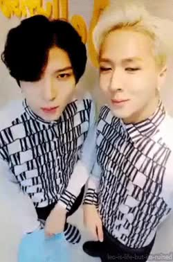 Watch WonTaek - LR GIF on Gfycat. Discover more LR, and leo's slippers, hahahahaha, hot bobbleheads, im sinning while making gifs, jung taekwoon, kim wonsik, leo, leo do you like that v app hand logo so much, leo looked so good so does ravi, my gifs, ravi, that angle made them looked like a bobblehead, that smile though, they literally made me choke on my food, v app, wontaek GIFs on Gfycat