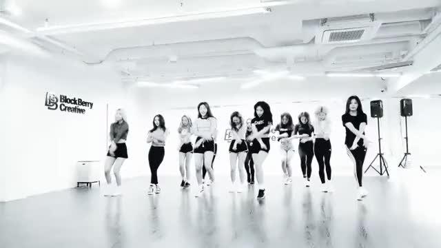 Watch ot12 dance GIF by @krispx on Gfycat. Discover more BlockBerry, BlockBerryCreative, LOONA, Line & Up, Line and Up, Premier Greeting, Teaser, 소녀, 이달의, 이달의소녀 GIFs on Gfycat
