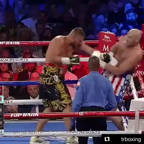 boxing, tyson fury, Dodging bullets GIFs