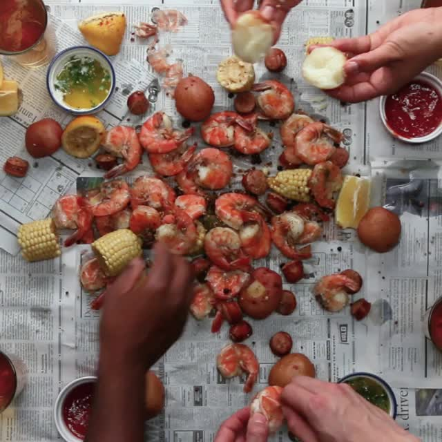 Watch and share Shrimp Boil GIFs and Recipe GIFs by zihaoqing on Gfycat