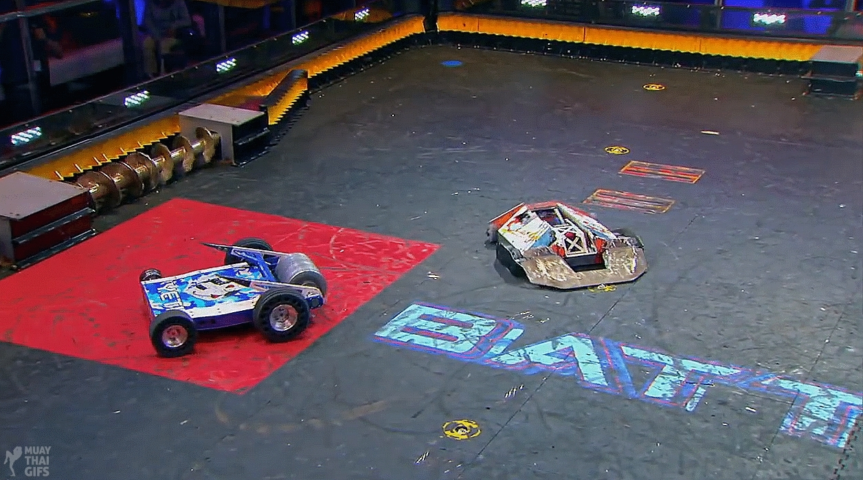 awesomerobots, battlebots, highqualitygifs, Robot Fightin Time (BattleBots: Yeti vs Lucky) GIFs