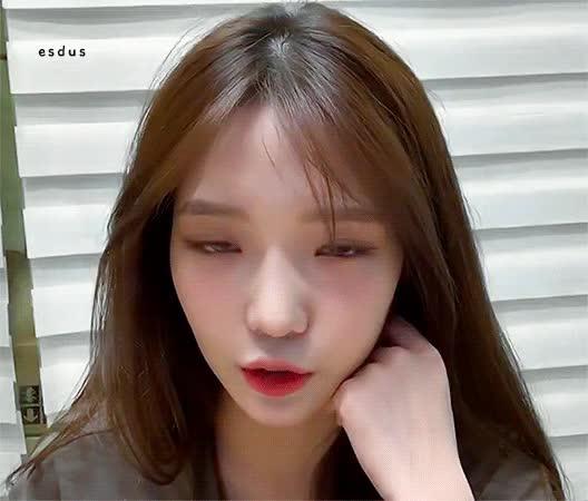 Watch and share Jisun GIFs by 이상형월드컵-supercup on Gfycat