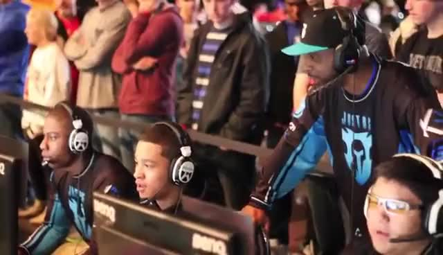 MLG Columbus 2013 - Team Justus Pro-  the most hyped team around.