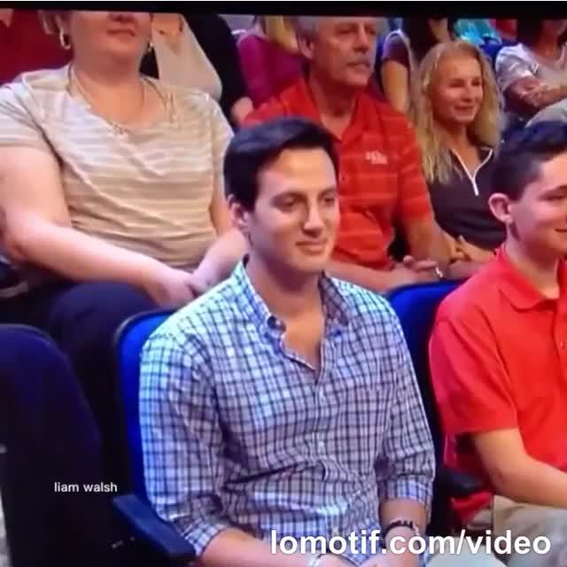 Awkward-Audience awkward lomotif.com/video GIF