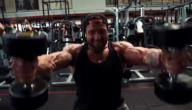 Justin trains Shoulders GIFs