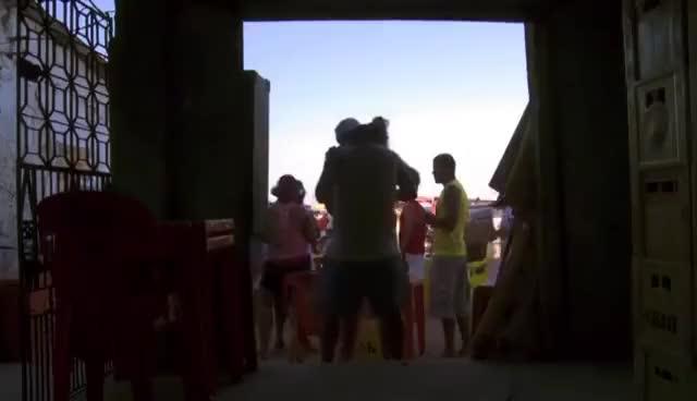 Watch VOU RIFAR MEU CORAÇÃO - Trailer Oficial GIF on Gfycat. Discover more related GIFs on Gfycat