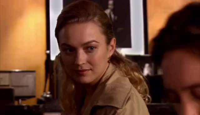 Sophia Myles, Watches GIFs