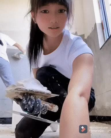 Watch and share  잘 바르는 여자.gif GIFs by podong on Gfycat