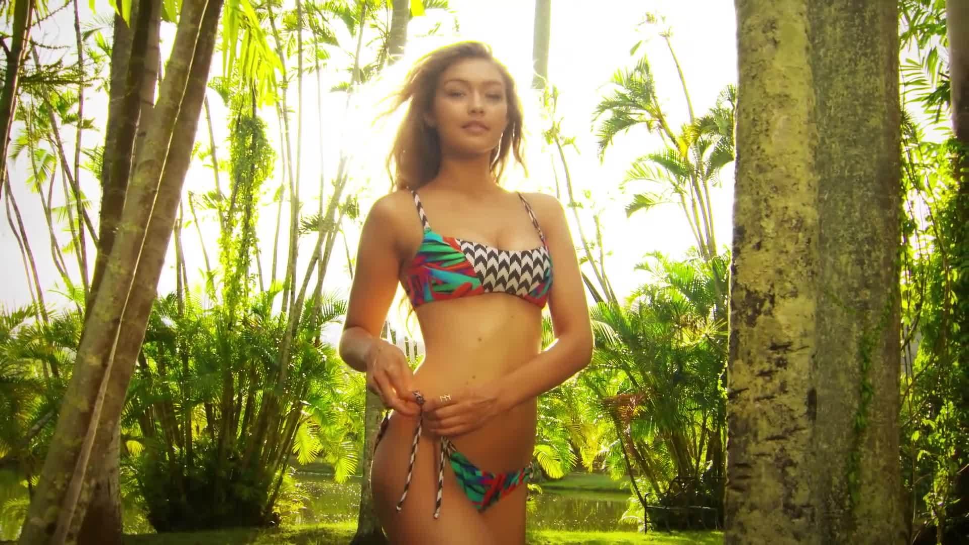 bikini, gigi hadid, gigihadid, swimsuit, Gigi Hadid Uncovered GIFs