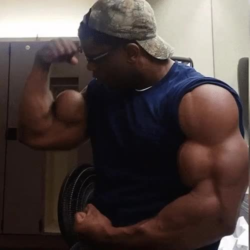 Watch donte franklin GIF by @ohbo4000 on Gfycat. Discover more bodybuilder, musclegrowth, muscleworship GIFs on Gfycat