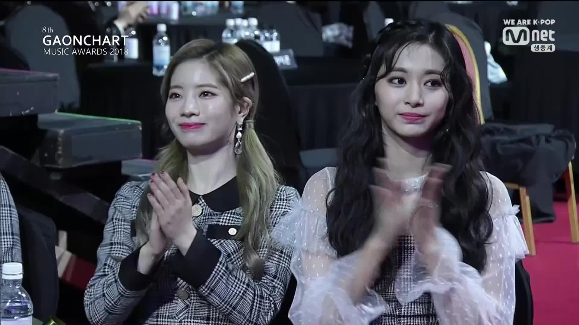 applause, clap, clapping, dahyun, kpop, twice, tzuyu, Dahyun-Tzuyu GIFs