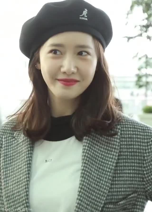 Watch and share Celebs GIFs and Yoona GIFs by KGIRLS on Gfycat