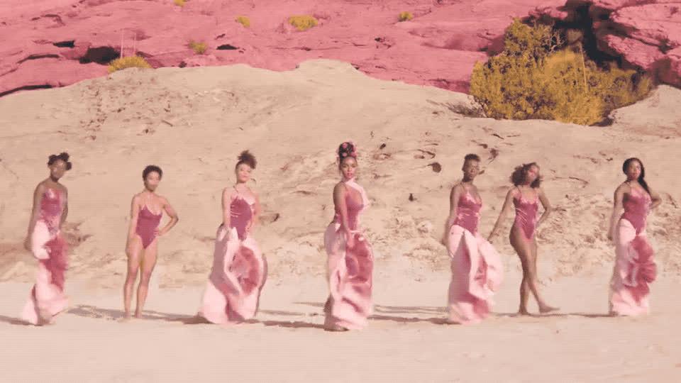 bored, boring, dance, dancer, dancing, desert, ganf, girl, janelle, left, lol, monae, new, pynk, right, song, sync, synchronized, wait, waiting, Janelle Monae - Pynk GIFs