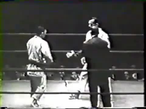 Watch Helio Gracie vs Kato (Brazilian Jiu-Jitsu vs Judo) GIF by @tpgrant on Gfycat. Discover more arts, brazil (country), martial GIFs on Gfycat