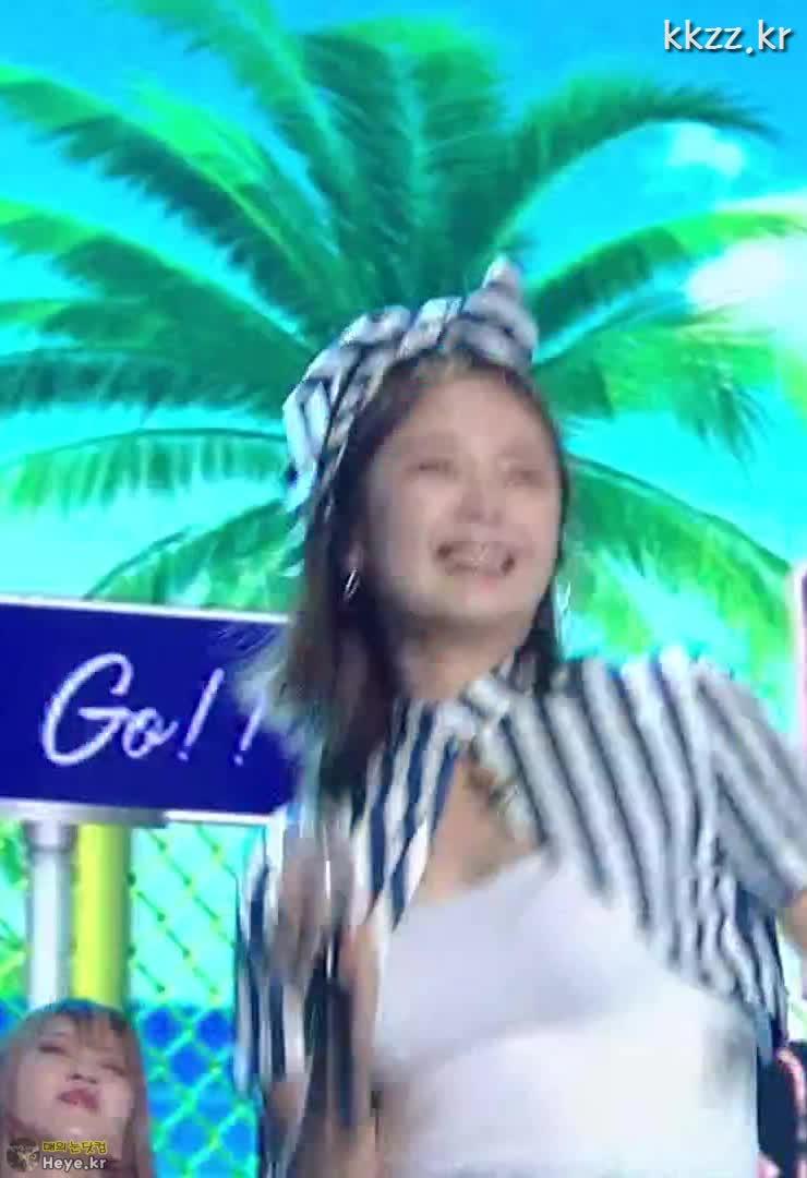 running man, so min jeon, 런닝맨, 전소민, 땀 흘리는 전소민 (So Min Jeon) GIFs