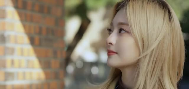 Watch and share Fromis9 GIFs and Nakyung GIFs by stoes11 on Gfycat