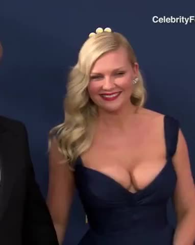 kirsten Dunst large boobs