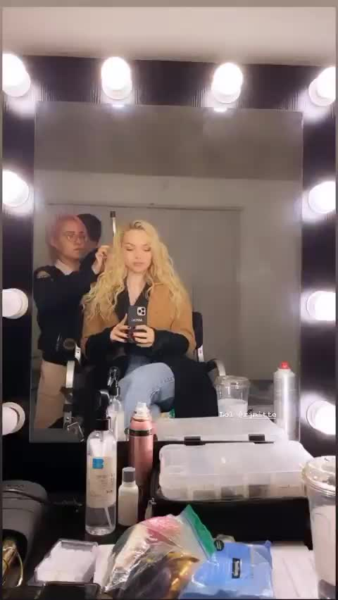 Watch and share Dovecameron GIFs and Actress GIFs by deigismon on Gfycat