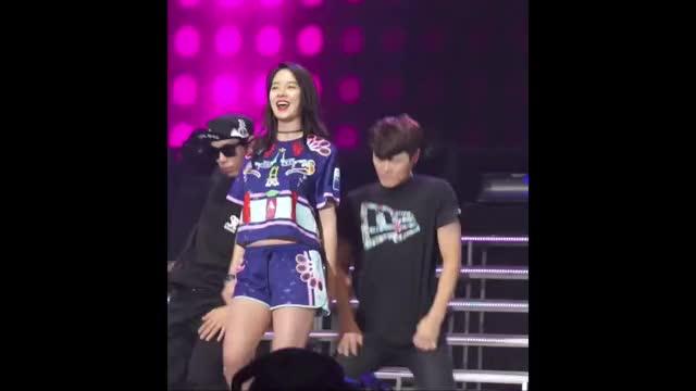 Watch and share Song Ji Hyo Dance 4 GIFs by Koreaboo on Gfycat