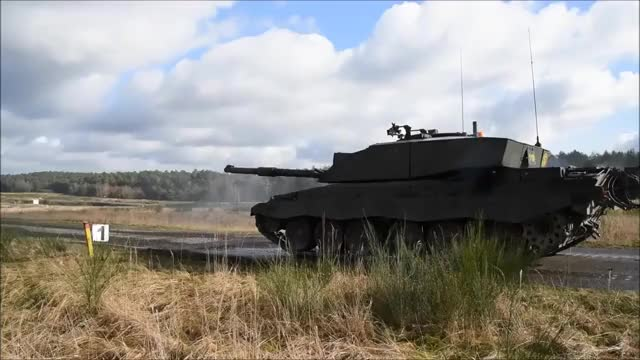 Watch Challenger 2 GIF by @dxpkuk on Gfycat. Discover more militarygfys GIFs on Gfycat