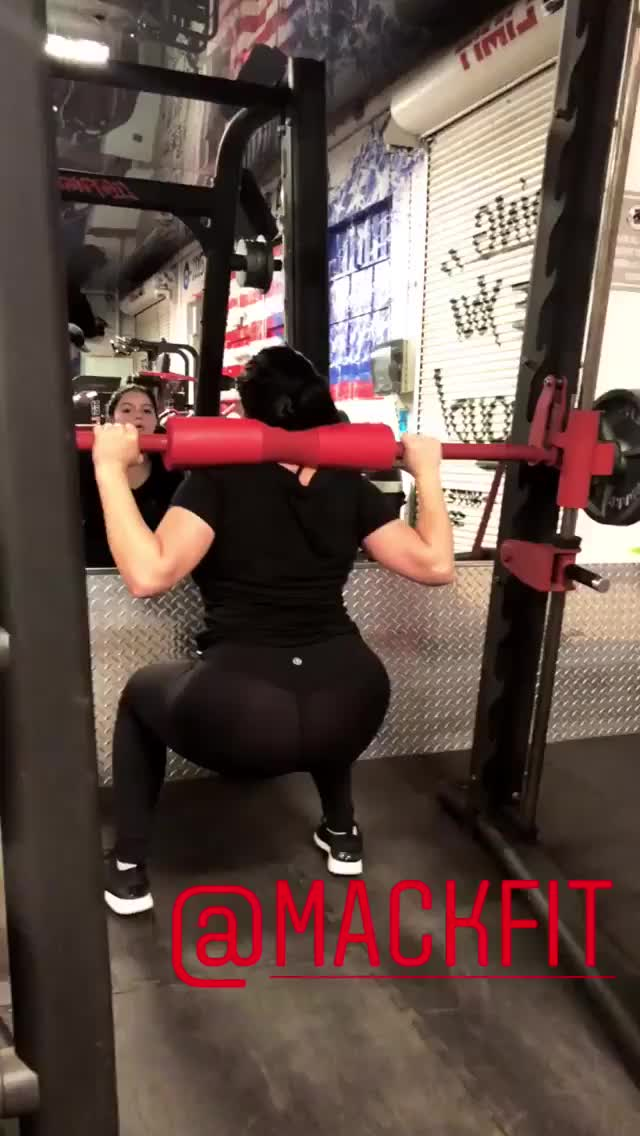 Watch Ariel Winter doing squats GIF by Unsurprised (@unsurprised) on Gfycat. Discover more ariel winter, arielwinter, celebs, exercise, fitness, mackfit, squats, working out, workout GIFs on Gfycat