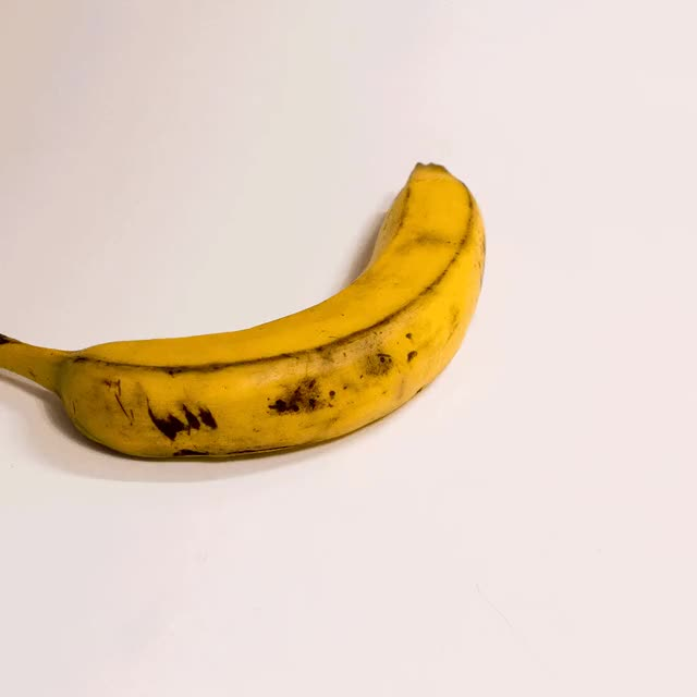 banana na na na A tagalog parody version, entitled banana (ba na na), was recorded by filipino rapper blank tape another malaysian parody or remake was also performed by kelantanese singers man khan and rosalinda, entitled dok mano released at the near end of 2012 sung in the kelantanese dialect of the malaysian language.