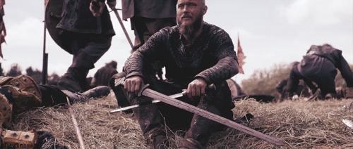 historyvikings, king ragnar, ragnar, ragnar lothbrok, travis fimmel, vikings, vikings spoilers, vikingsedit, vikingstv, It's pretty cold. GIFs