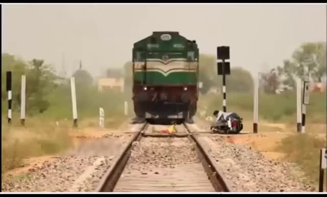 Watch super viral video Real story Dangerous train accident in India!! GIF by @rogerabdul on Gfycat. Discover more Deadly Railway Crossings, Indian Railways, Jio official video, People & Blogs, Piyush Goyal, Super Viral Video, unmanned level crossings GIFs on Gfycat