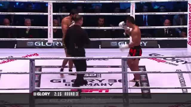 Watch and share Sitthichai Leading With A Knee GIFs by dmarty77 on Gfycat