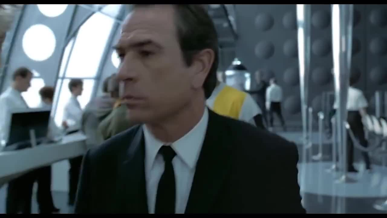 90s, Alien, Aliens, Training, alien, aliens, ball, government, headquarters, men in black, mib, movieclipsdotcom, scene, tommy lee jones, training, will smith, Men in Black (1997) - Men In Black Headquarters Scene (3/8)   Movieclips GIFs