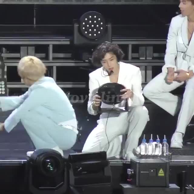 Watch and share Wonho﹠Hyungwon Daily - 🎥┆04.09.19 ↬ ©LOVELINE_HW ―  We Are Here In Osaka ☆ #형원 #HYUNGWON @OfficialMonstaX GIFs on Gfycat