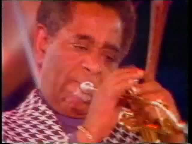 Watch Dizzy Gillespie - Salt Peanuts GIF on Gfycat. Discover more Gordon Hudson, Music, dizzy, gillespie, jazz, trumpet GIFs on Gfycat