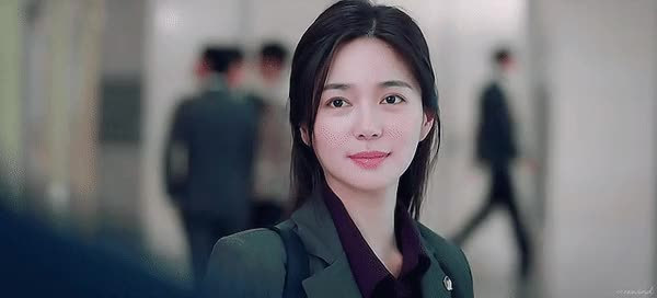 Watch and share 이엘리야 미모 GIFs on Gfycat