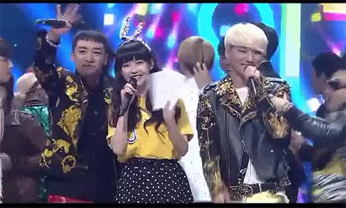 Watch Taeyang koala hugging Daesung. GIF on Gfycat. Discover more BIGBANG, Daesung, Hug, IU, Inkigayo, Koala Hug, Seungri, Taeyang, YB, Youngbae, gif GIFs on Gfycat