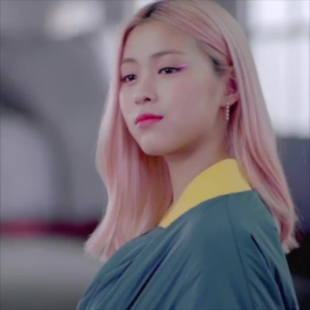 Watch and share Itzy Ryujin GIFs by Jer on Gfycat