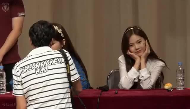 Watch and share 160904 오마이걸 (Oh My Girl) 승희 효정 (SeungHee HyoJung) 팬들과의 사인 시간 (With Fan) 편집 (Edit) Ver. (자막 有) GIFs on Gfycat