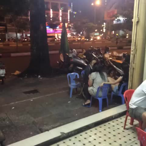 Nhau Happy Hour And Its Only Monday Celebrando A Segunda Com Boas Cervejas  Beer Happyhour Saigon Vietnamesefood Vietnam