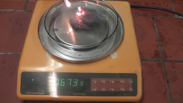 Watch and share Verbrennung Von Eisenwolle Auf Einer Waage - Combustion Of Iron Wool On A Balance GIFs on Gfycat