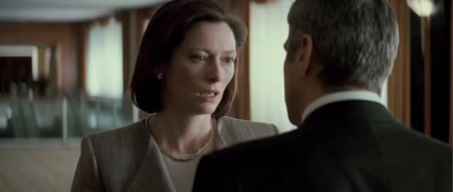 Angry people (Michael Clayton VS Karen Crowder)